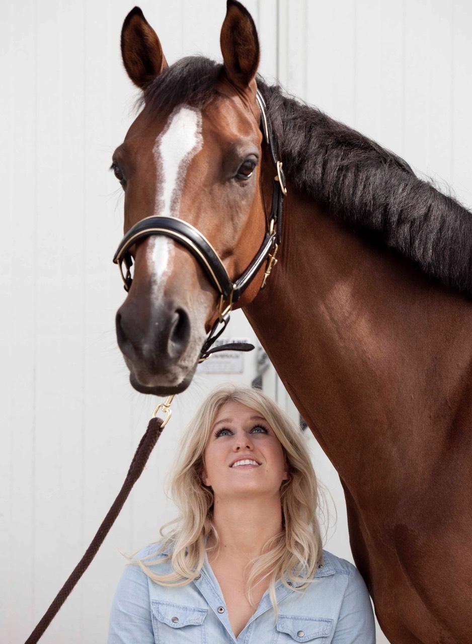 Britt_Dekker_paard